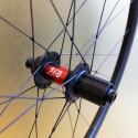 Paire de roues carbone route 35 mm à pneus