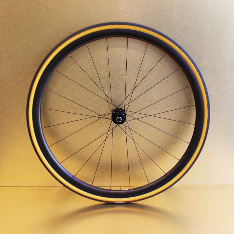 Paire de roues carbone route 30 mm